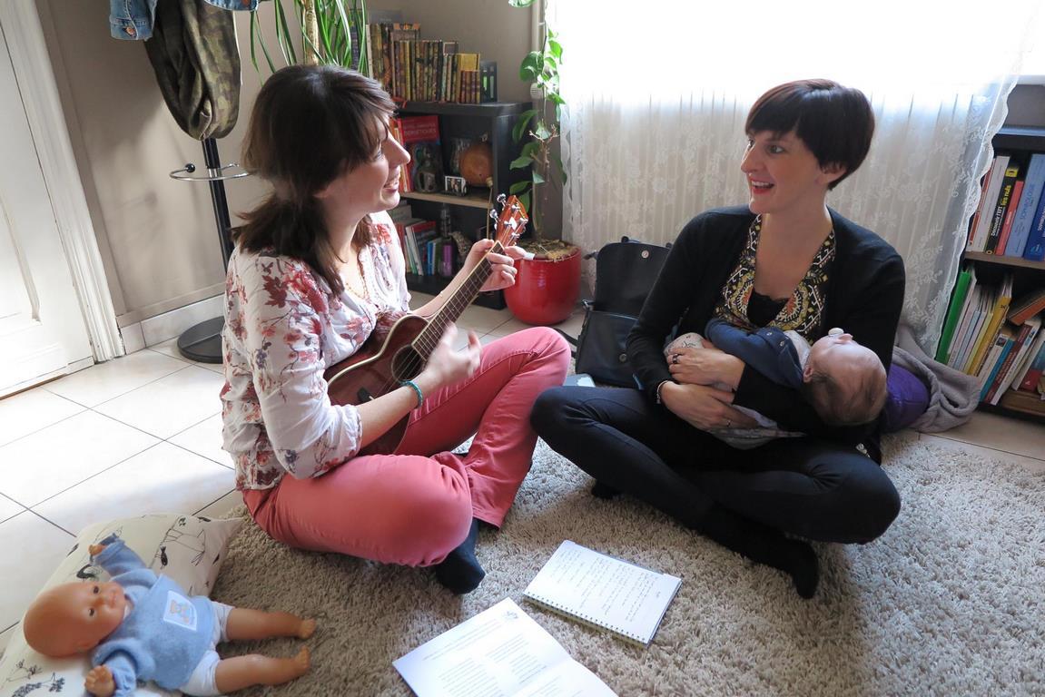image atelier chant prenatal eveil bebe le chant des lunes
