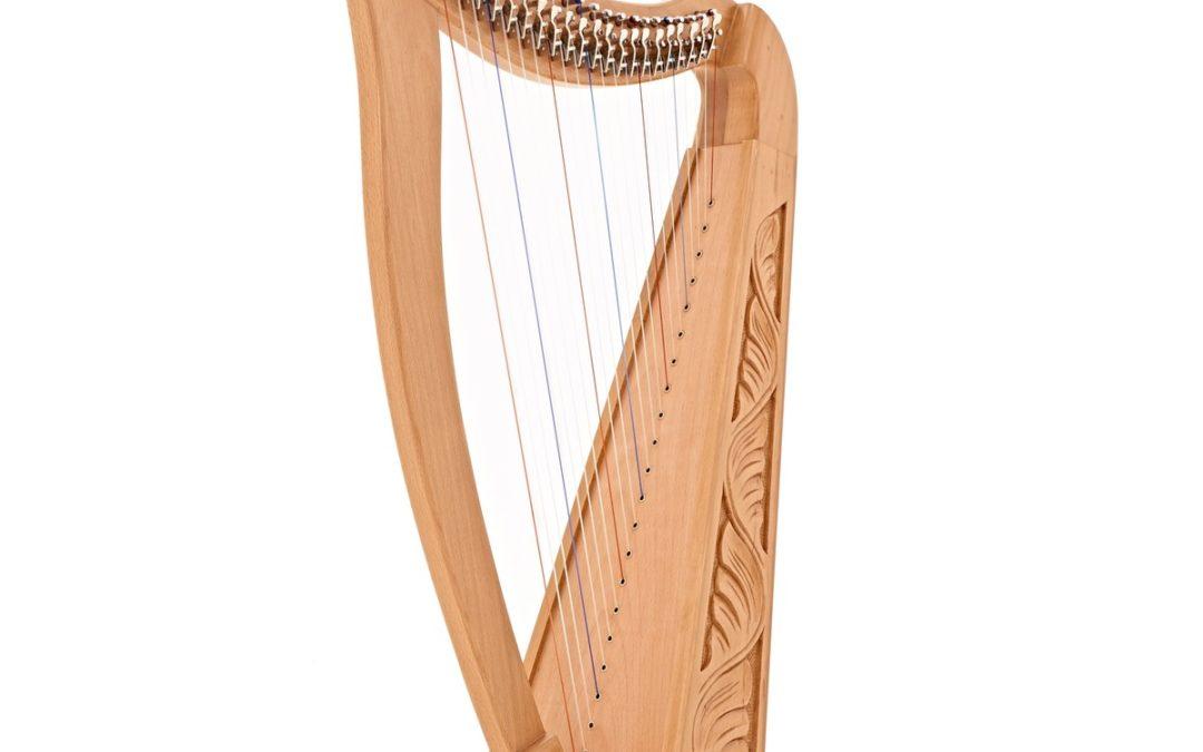 Une harpe troubadour pour Le Chant des Lunes !